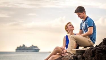 cropped-couple-at-kalim-beach-phuket-thailand-019.jpg