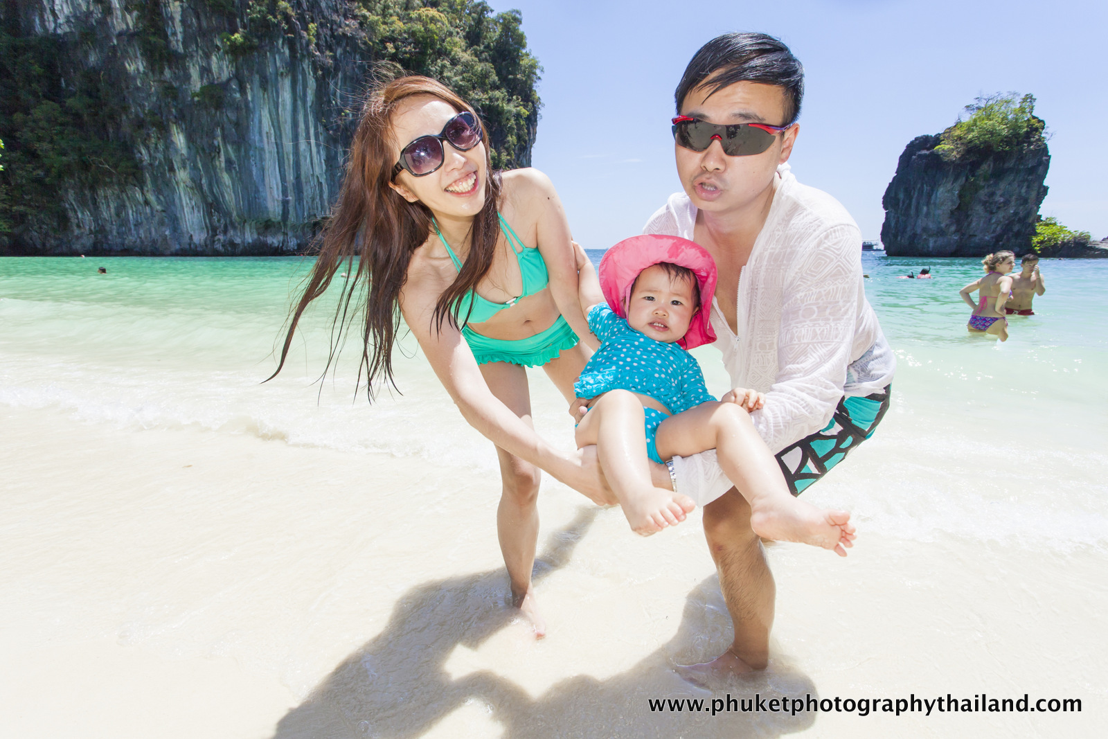 family photoshoot at Ko Hong , than bok khorani national park , Krabi , thailand