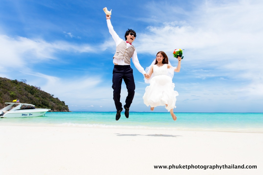 pre wedding photography at ko Racha yai island , phuket , thailand