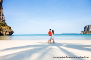 honeymoon photography at railay beach , ao nang , krabi