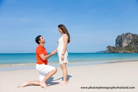 honeymoon photography at railay beach , ao nang , krabi