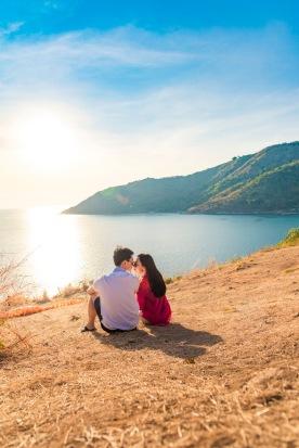 Honeymoon photo session at ya nui viewpoint phuket thailand
