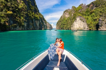 Honeymoon photoshoot at PhiPhi