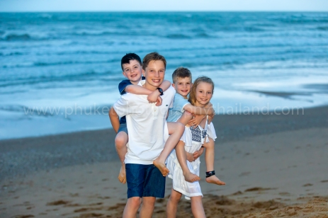 family reunion photoshoot at khao lak49